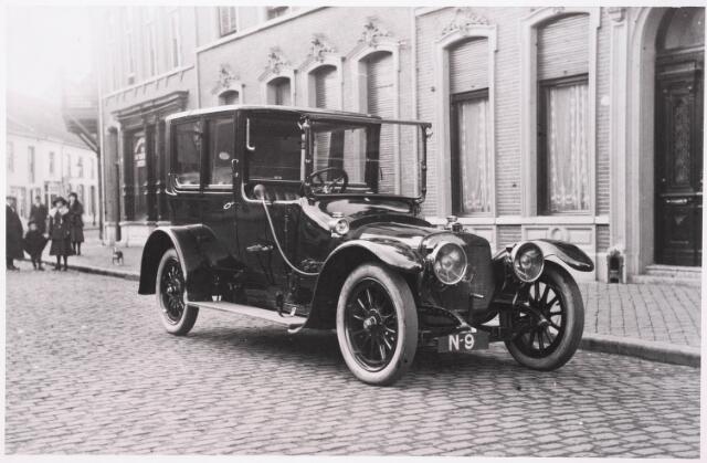 033358 - Het begin van de Tivolistraat, toen Bosscheweg. Op de achtergrond de Korte Heuvel.