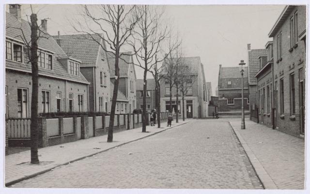 018884 - Gerard van Spaendonckstraat omstreeks 1930.