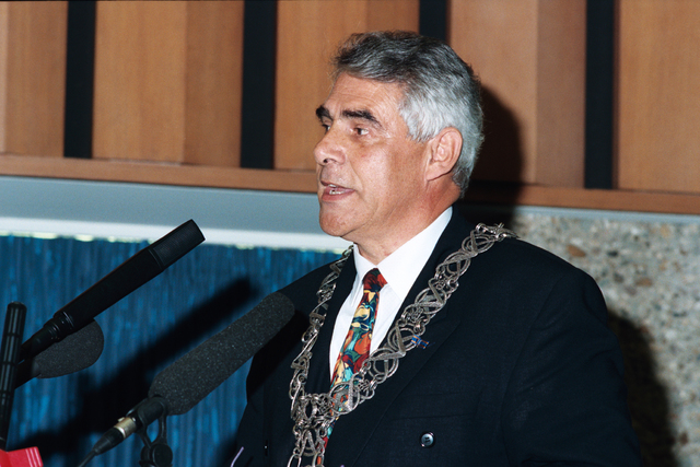 1237_010_763_030 - Installatie burgemeester Stekelenburg als burgemeester van Tilburg. Speech.