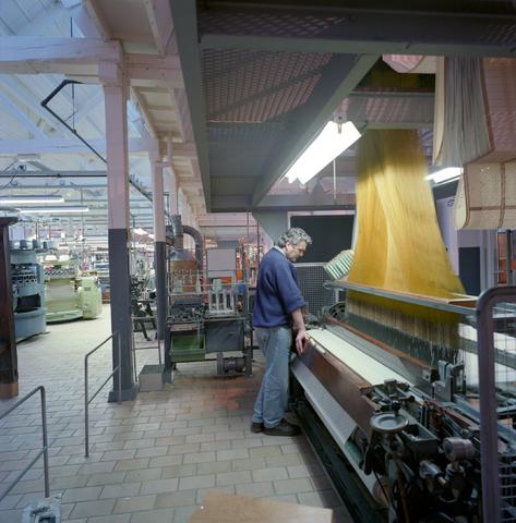 D-00583 - Textielmuseum, weefmachine.