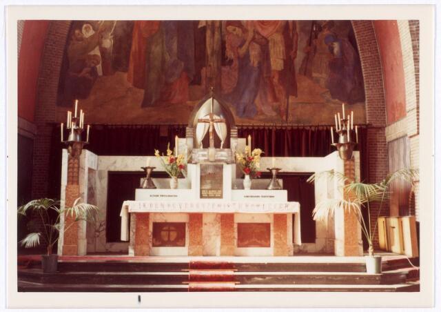 016562 - Hoofdaltaar in de kerk van de Heilige Familie, behorende tot de parochie Broekhoven II