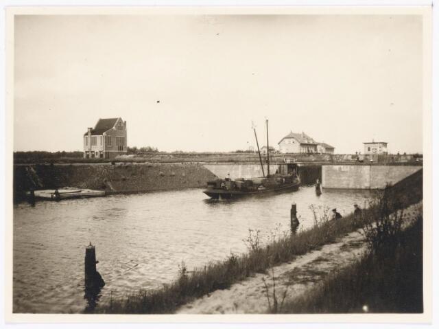 039817 - Wilhelminakanaal ter hoogte van de sluis aan de Voldijk in 1924