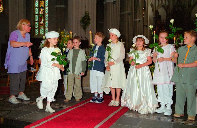 655380 - Eerste Heilige Communie viering in  de Sint Jozefkerk (Heuvelse kerk) in 2001.