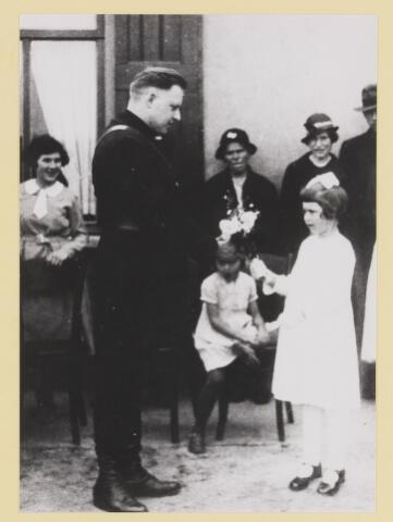 077300 - Arnold Meijer, leider Zwart Front1934 -1941.  36e verjaardag van  Arnold Meyer (geboren 1905 en overleden 1965) in de tuin van Groot Speyck.