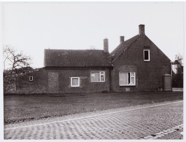 062759 - Winkelpand aan de Heuneindseweg 1 voorheen fam de Bresser daarna in gebruik  bij gemeentewerken en thans afgebroken.