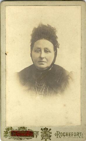 600987 - Johanna Couwenberg, geboren te Loon op Zand op 15 april 1831, dochter van Peter Couwenberg en Maria Catharina Hoevenaars, trouwde aldaar op 4 mei 1864 met schoenmaker Judocus Burmanje, geboren te Loon op Zand op 23 augustus 1827, weduwnaar van Woutrina van Esch en zoon van Willem Burmanje en Antonia Snoeren.
