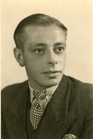 092613 - Johannes Cornelis Couwenberg, geboren te Goirle op 29 december 1910 en overleden te Tilburg op 22 oktober 1944 als oorlogsslachtoffer. Zijn ouders waren Johannes Petrus Theodorus Couwenberg en Maria Elisabeth Brouwers.