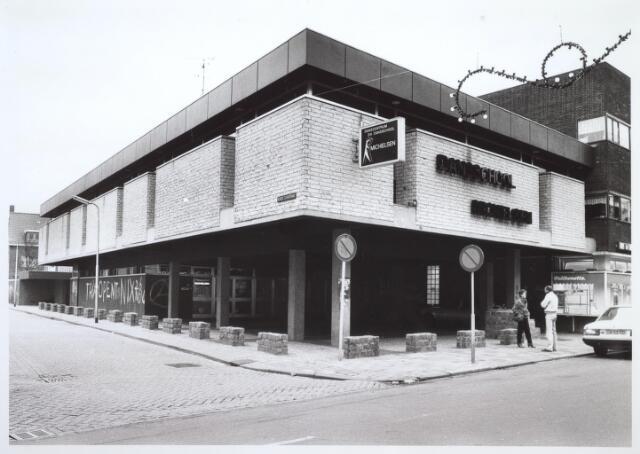 026887 - Dansschool Michielsen op de hoek Korte Tuinstraat - Nieuwlandstraat. Thans is hier boekhandel Livius gevestigd