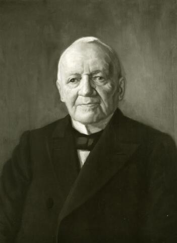 071690 - Norbert de Beer (1831-1915), medeoprichter van wollenstoffenfabriek Thomas de Beer aan het Wilhelminapark. Foto van het schilderij dat Jan van Delft in 1914 vervaardigde.