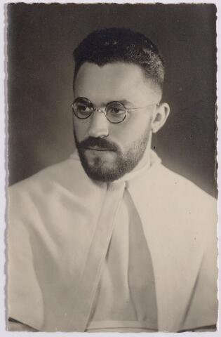 044606 - Foto genomen ter gelegenheid van het vertrek van pater Franciscus Xaverius Heerkens, norbertijn, naar de missie van India.