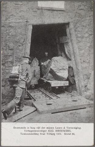 """011277 - Stand 50 op de tentoonstelling Stad Tilburg 1909 was van de """"Maatschappij tot Exploitatie van de Steenkoolmijnen Laura en Vereeniging"""". Vertegenwoordiger van deze mijnen voor Tilburg en Oost-Brabant was Aug. Brouwers uit Tilburg."""