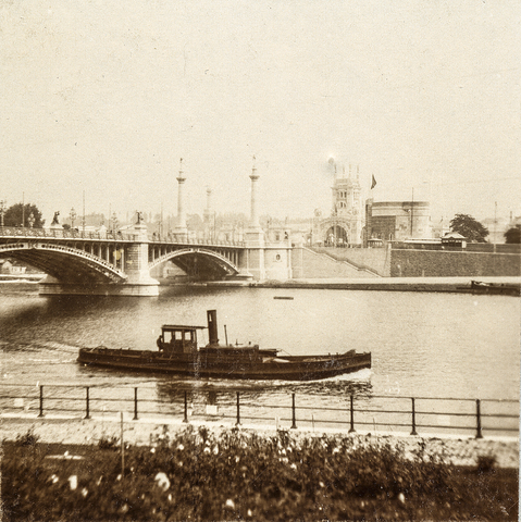 653615 - Luik, stoomboot op de Maas ter hoogte van de Pont de Fragnée. (Origineel is een stereofoto.)