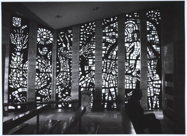 023460 - Glas in loodwand in de kapel van Onze Lieve Vrouw ter Nood aan de Kapelhof