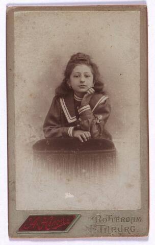 003588 - Anna Maria Josephina (Anneke) Berghegge, geboren 27 juli 1891 te Tilburg, dochter van Josephine Maria Margaretha Houben (1853-1920) en Johannes Antonius Berghegge (1850-1922)