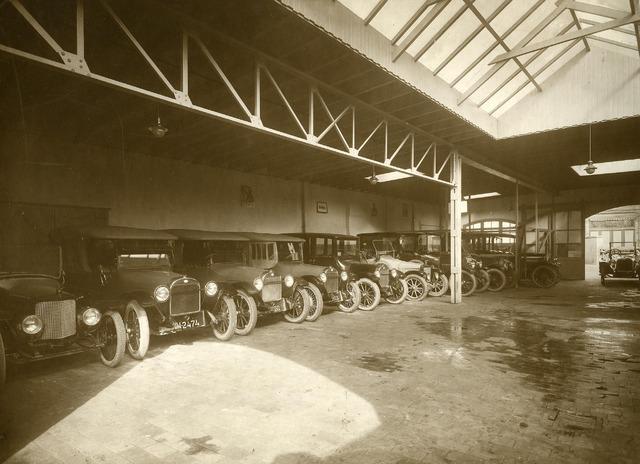 200091 - Interieur garage Th. Knegtel.