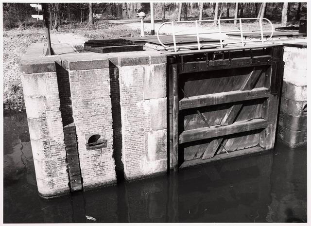 034767 - Sluis II in het Wilhelminakanaal