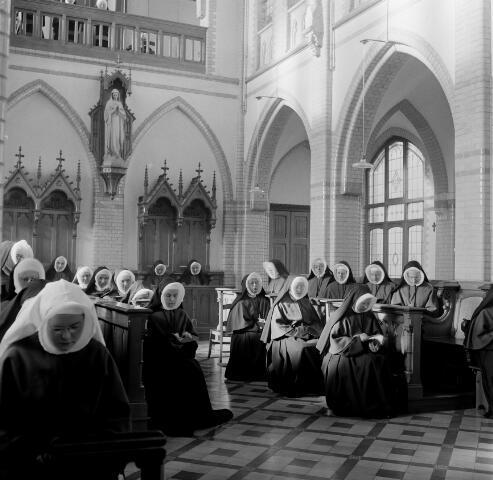 050655 - 50-jarig bestaan. Retraitehuis Cenakel te Tilburg.