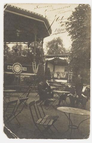 """068194 - Ansichtkaart met foto van de KERMESSE d'ÉTÉ, of Zomerkermis, bij de Societeit PHILHARMONIE, van 25-29 juni 1904, geopend door burgemeester Mutsaers. De Nwe Tilb. Courant meldt: """" De opbrengst is bestemd voor de muziekfeesten welke te Tilburg gehouden worden. Indien het bedrag niet hoeft te worden aangesproken zal het geschonken worden aan de armen van Tilburg"""". De briefkaart is gericht aan Mejuffrouw Henriette Dusée, Spoorlaan, Tilburg.  Muziekfeesten. Muziekfeest van de Societeit """"Philharmonie""""."""