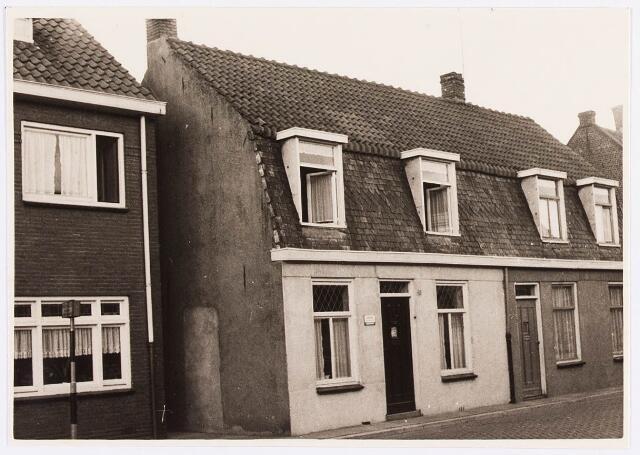 034475 - Lijnsheike 193; thans heet dit deel van de straat Von Weberstraat. De meeste huizen aan het Lijnsheike zijn inmiddels gesloopt.