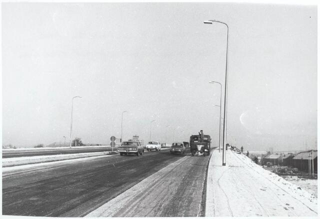 030250 - Ringbaan-West. Reconstructie van de oprit in verband met de aansluiting van de ringbaan op de Hart van Brabantlaan.