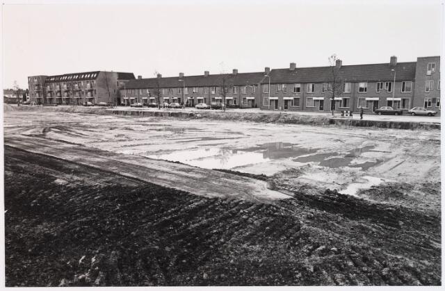 028564 - Overzicht bouwwerkzaamheden aan de Piushaven