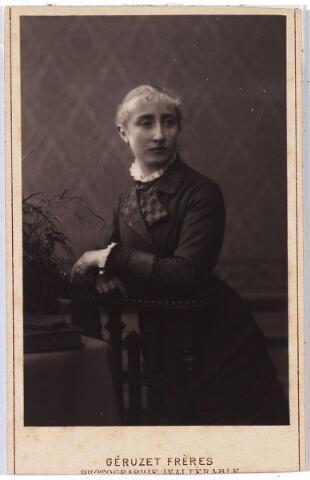 005835 - Maria Dorothea Cornelia van Spaendonck geboren Tilburg 11 december 1859, overleden St Nicolaas (België) 30 oktober 1930. Ingetreden 29 juni 1882 onder de naam zuster Josephine. Professie op 15 augustus 1883, verliet de Congregatie van de Zusters van Liefde in 1885.