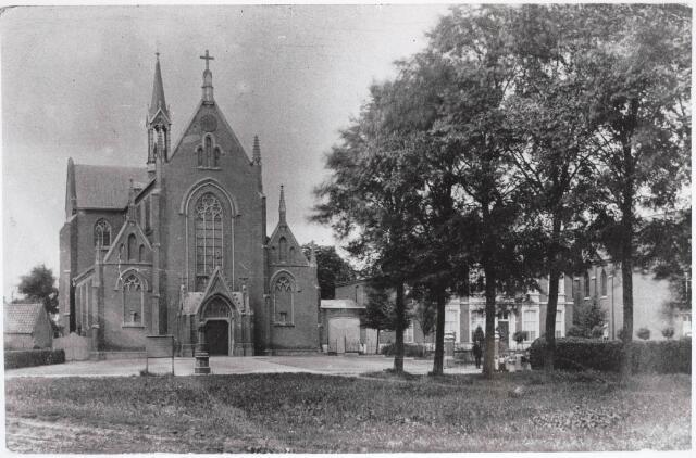 030737 - De Schans. Heikant met R.K. paroriekerk O.L.V. Onbevlekte Ontvangenis.