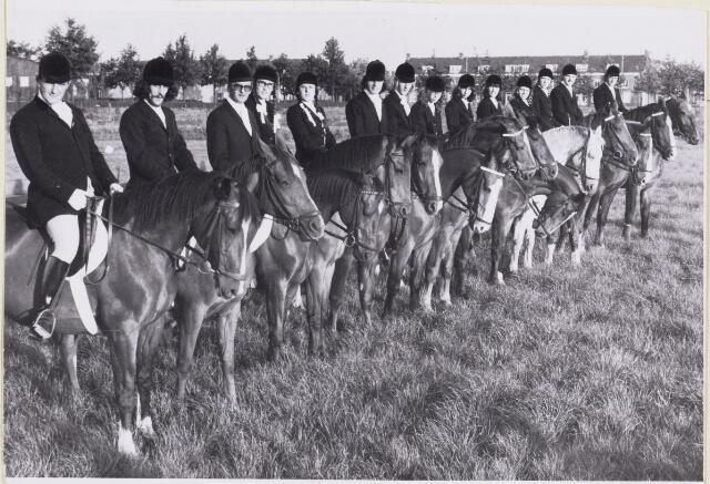 101402 - Paardensport. De goede ruiters.