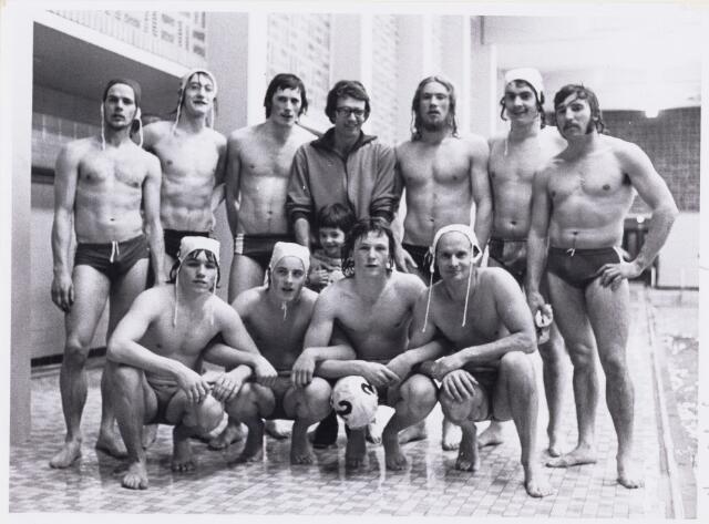 101251 - Sport. Waterpolo kampioensteam.