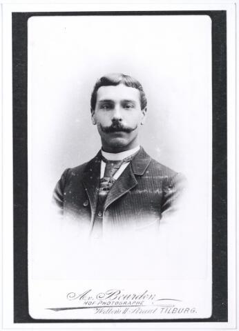 004402 - Petrus Cornelis (Kees) de GROOT (Tilburg 1877) was wollenstoffenwever. Hij trouwde in 1901 met Maria Lucia Janssen (Tilburg 1876-1956). (reproductie; origineel niet in collectie aanwezig)