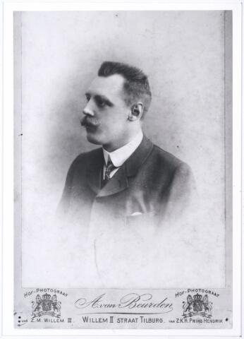 005546 - Jacobus G.C.J. van Roessel-Swagemakers (reproductie; origineel niet in collectie aanwezig)