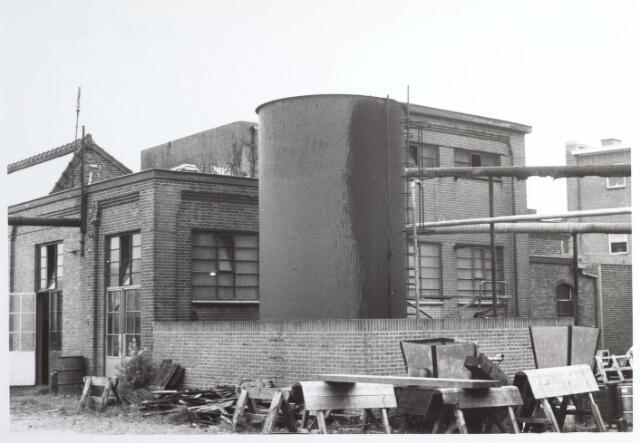 015288 - Chroomlederfabriek De Hinde aan de Bisschop Zwijsenstraatanno 1967