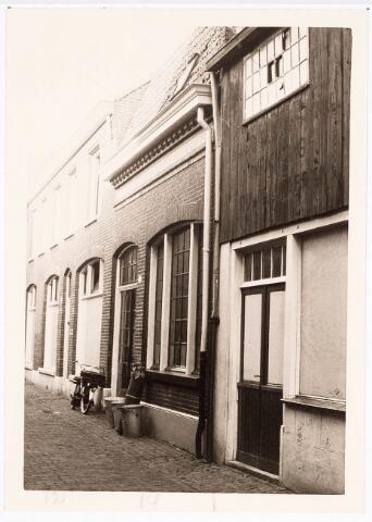 032395 - Panden aan de voormalige Pleinstraat 12-14 zijn thans afgebroken waarvoor in de plaats gekomen onder andere het parkeerterrein aan het Stadhuisplein
