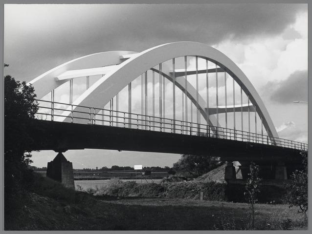 88776 - Brug over het Markkanaal in de Bredaseweg