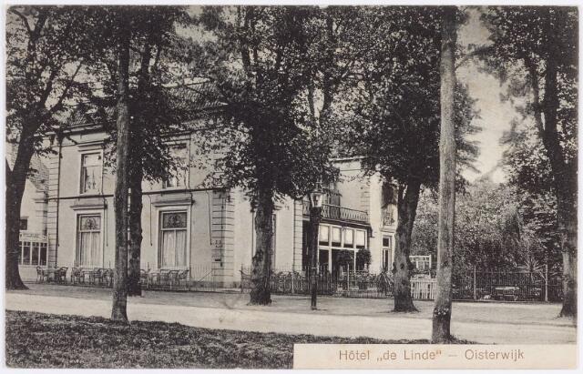 """057506 - De Lind. Hotel """"de Linde"""", thans in gebruik als pastorie van de  St. Johannes Parochie."""