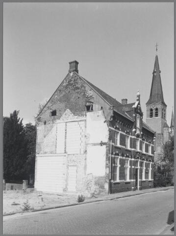 """88727 - Markstraat 6, Terheijden. Voormalige woning zusters genaamd """"Thomasklooster"""". Gebouwd in 1884."""