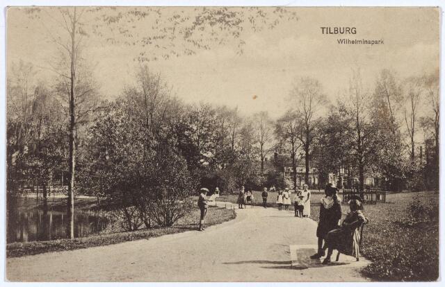 002964 - Wilhelminapark, vijver en wandelpad met rechts de Wilhelminaboom.