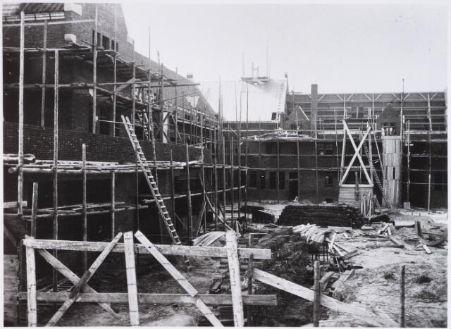 028334 - In 1935/1936 werd aan de Pelgrimsweg 40 het St. Lidwinaklooster gebouwd ontworpen door architect M. van Beek; het klooster diende als pension voor zusters