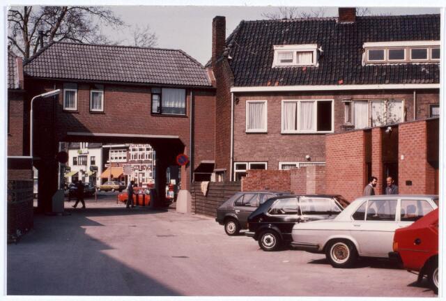 017028 - Toegangspoort tot het Calandhof