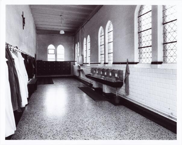 062274 - Kloosters. Abdij van Onze Lieve Vrouw van Koningshoeven aan de Eindhovenseweg 3  (oude wasruimte)