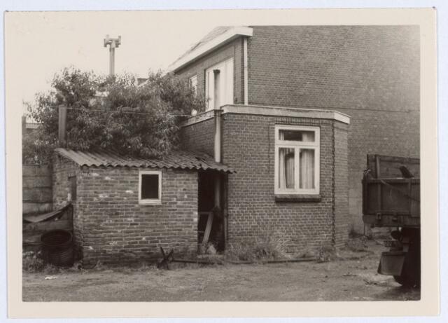 014690 - Achterzijde van het pand Berkdijksestraat 106. Boerderij Verhoeven.