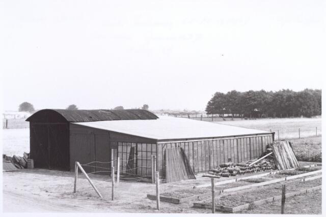 017839 - Bloemisterij A.J.C. Trouw nabij de Rielseweg (thans Dr. Hub. van Doorneweg) anno 1969