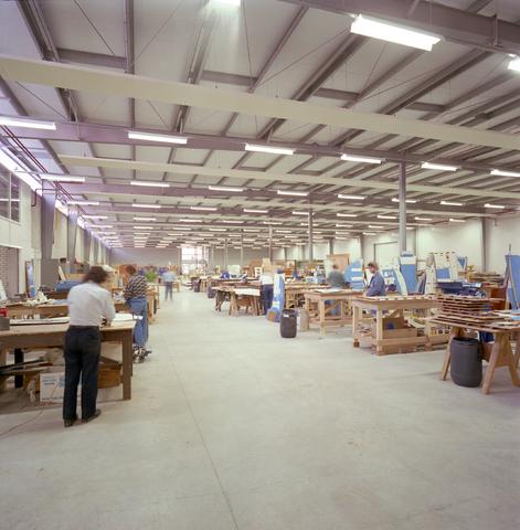 D-002457-3 - Biemans Industries in Oosterhout. Biemans Industries ontwierp, fabriceerde en repareerde complete vliegtuiginterieurs.