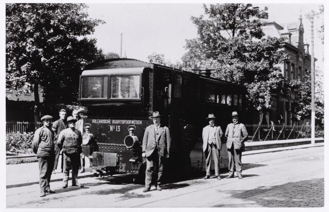 046613 - Wisselplaats Goirle tramstel nr. 13  ± 1920 van 'Hollandsche Buurtspoorwegen' Rechts op de achtergrond de voorgevel van de villa van C. van Puijenbroek.