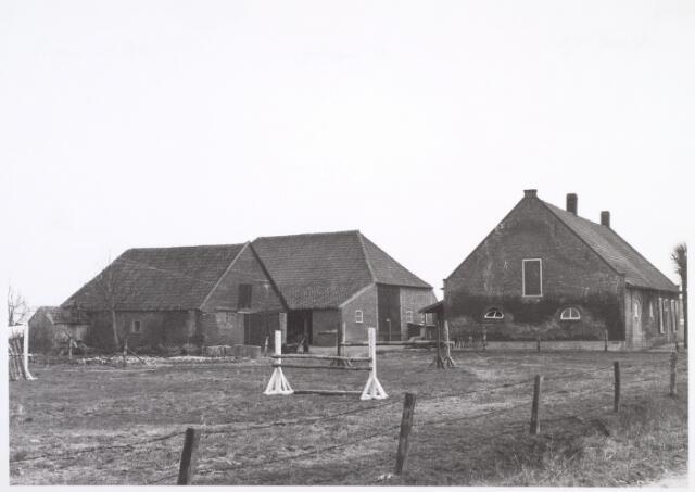 014525 - Boerderij aan de Stokhasseltstraat (Bellinistraat) anno 1963