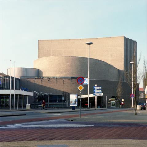 D-00609 - Tilburg - Stadsgezichten - Schouwburg (Theaters Tilburg) (in opdracht van PLM).
