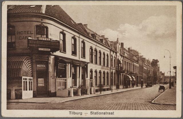 010739 - Stationsstraat vanaf de Spoorlaan.