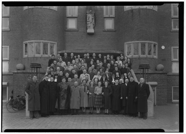 050874 - Excursie vakstudie R.K. leerkrachten buitengewoon lager onderwijs op Huize St. Vincentius.