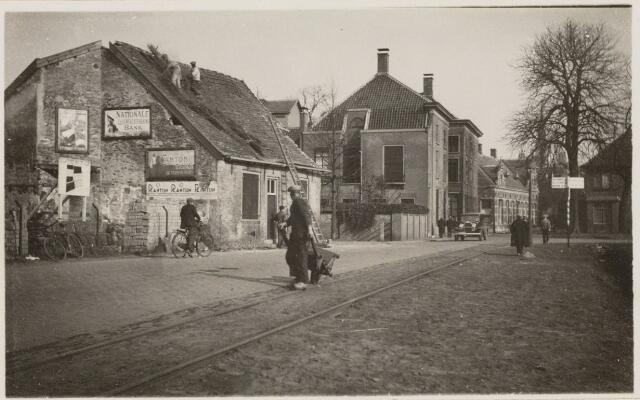 101708 - Bredaseweg in noord-oostelijk richting in 1933 het huis links ten name van Keeke Evers met daarnaast villa Smits