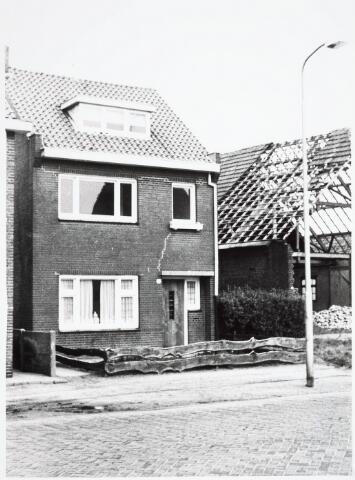 034096 - Voorgevel van het pand Jac. van Vollenhovenstraat 44, voorheen Heikantsebaan